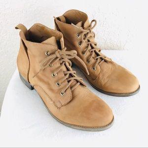 Steve Madden Womens Rubin round toe leather bootie